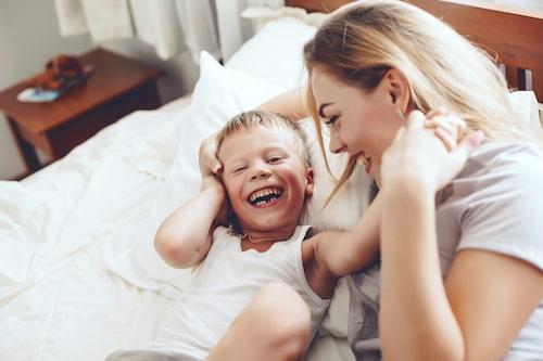 Hela barndomen igenom försöker barnet lära sig använda sina känslor.