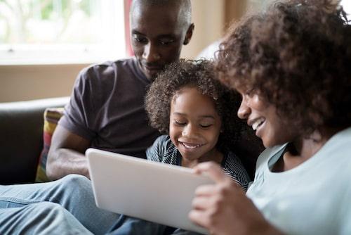 Fråga barnen hur deras dag på nätet har varit.