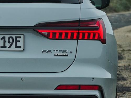 Tyvärr stjäl batteripaketet en hel del av bagageutrymmet hos Audi A6 Avant 55 TFSI e quattro.