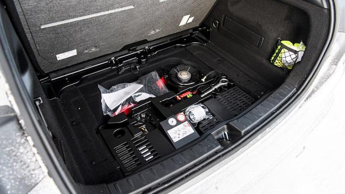 I bagageutrymmet går det att lyfta golvet, men här finns ingen plats för förvaring.