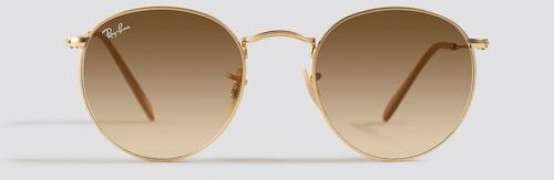 Solglasögon med metallbågar, Ray ban.
