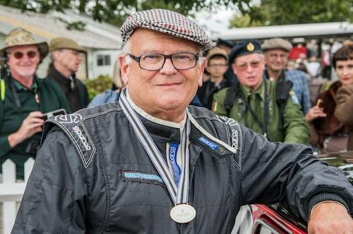Stig Blomqvist, världsmästare i rally 1984 kör fortfarande för allt vad tygen håller. Det är ett sant nöje att se mäster ratta runt på Goodwood och ett stort tack till dig Stig för att du alltid ställer upp och träffar oss på Goodwood!