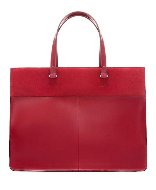 15. Röd rektangulär väska, 549 kronor.