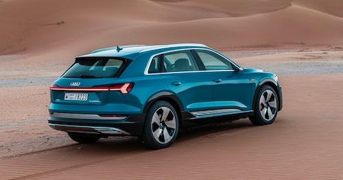 Audi e-tron får dra släp. Max 1 800 kilo får kopplas på dragkroken som hittas i tillvalslistan.