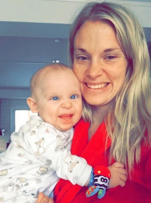 Elliot var världens gladaste kille, skriver Johanna i sin blogg.