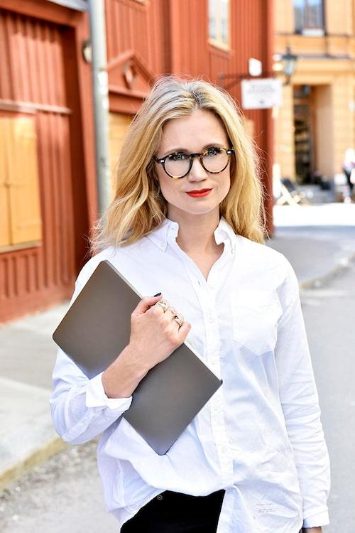 Judith Wolst är digital strateg, entreprenör, föreläsare och författare.