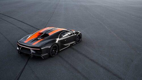 Inte riktigt en standardbil. Notera den förlängda baken och de annorlunda ändrören.