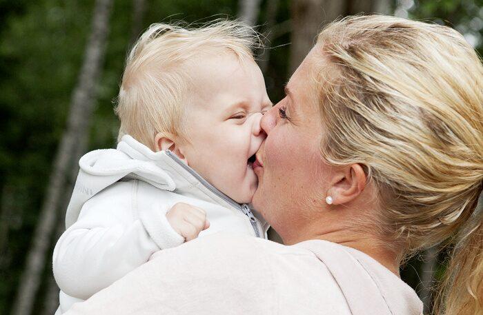 Hannes med mamma Anna.