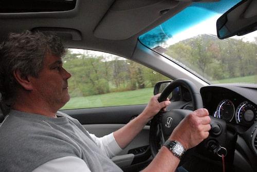 Jonas Borglund var sammanbiten bakom ratten på nya Honda Accord.