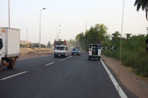 Vägen mot Assuan från Luxor var ganska stökig.