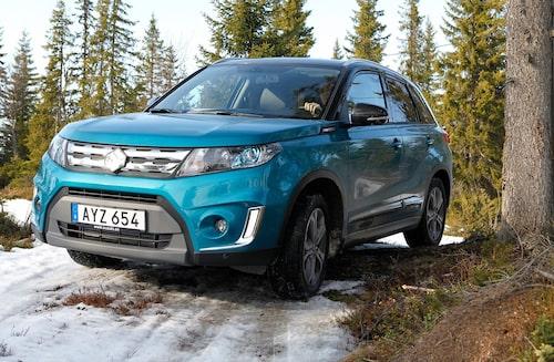 Nya Vitara har ett utseende som mer liknar andra stadsbilar men passar ändå bra i skogen.