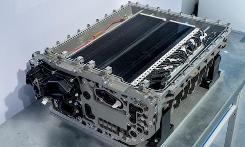 Så här ser en bränslecell ut. Just denna är också från BMW, när de tidigare experimenterat med det.
