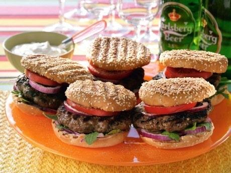 Recept på hamburgare med parmesanost.