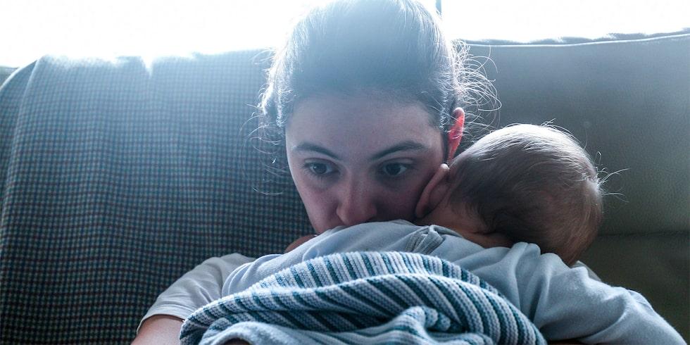Varför vill bebisen inte sova, men amma så ofta? Barnpsykologen svarar.