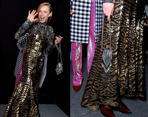 Glöm inte att matcha nyårsklänningen med en snygg väska! Backstage hos Paco Rabanne.