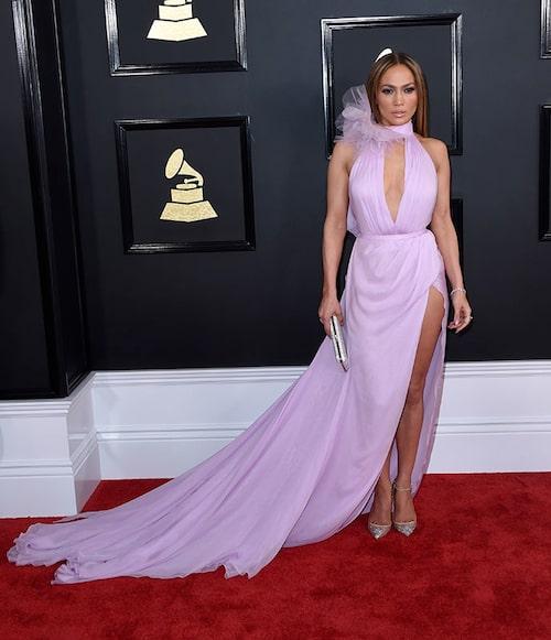 Jennifer Lopez i klänning från Ralph & Russo och klackar från Christian Louboutin. Foto: IBL