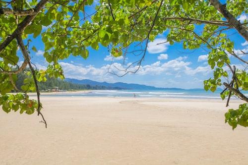 Den kända och omtalade stranden i Khao Lak är som tagen ur en dröm.