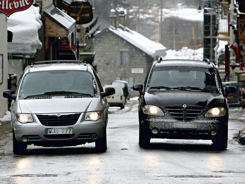 Provkörning av Chrysler Grand Voyager och SsangYong Rodius