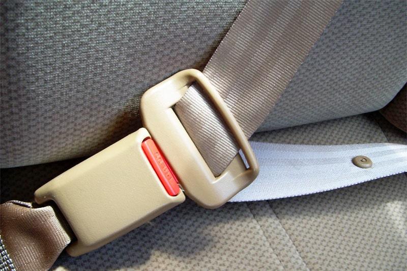 110316-bilbälte fast bot
