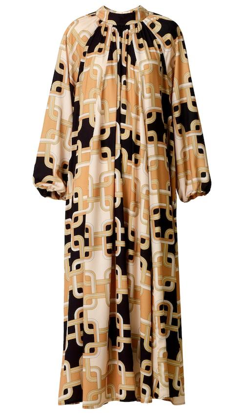 Långklänning i klassiskt Richard Allan-mönster med vackert, mjukt fall.