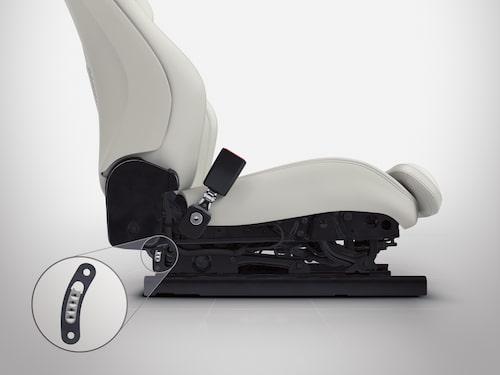 Nya Volvo XC90 har stolar med absorberande funktion som ska reducera antalet ryggskador vid bland annat avåkningar.
