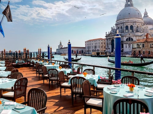 Caroline de Maigrets favorithotell är Gritti Palace i Venedig.