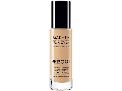 Recension av Reboot foundation från Make Up For Ever.