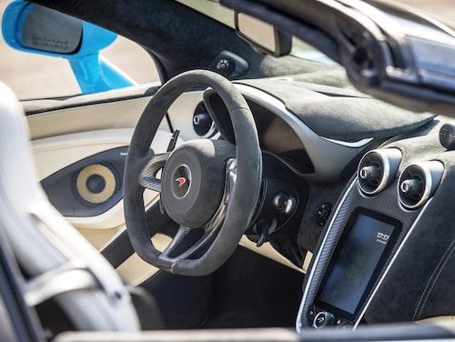 Den helt digitala instrumenteringen ändrar utförande beroende på körläge.