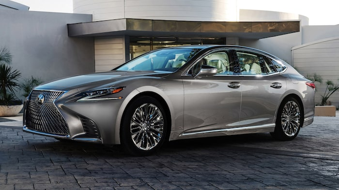 Lexus LS blir kvar.
