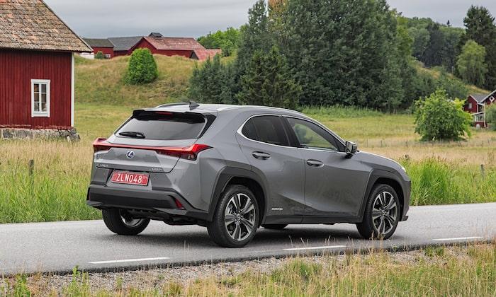 Lexus UX blir kvar.