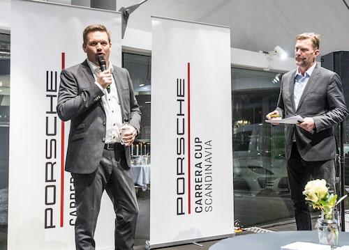 Raine Wermelin, vd för Porsche Sverige, till vänster samt infomötets moderator, Janne Blomqvist, till höger.