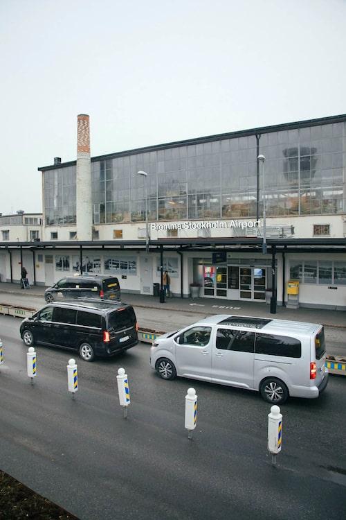 """""""Suverän för affärsfolk..."""" Ptja, utanför flygplatsen går det alltid extraknäcka som taxi."""