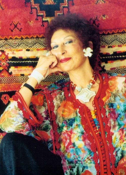 Fatima Mernissi skrev det muslimska feministiska manifestet Shahrazad reser västerut.