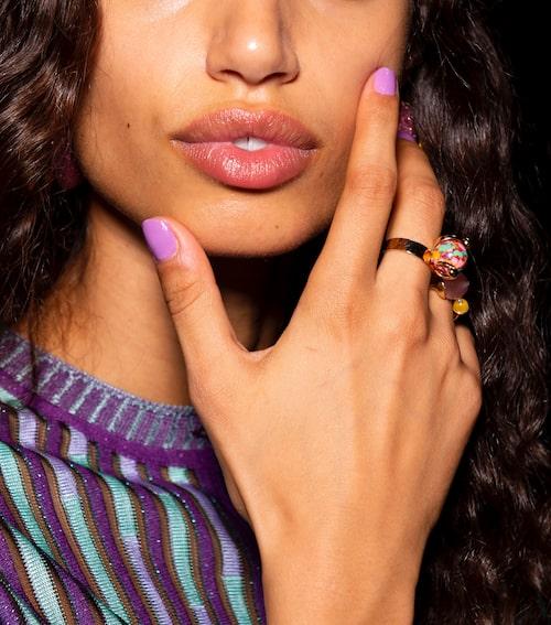 Välvårdade händer och naglar hänger ihop.