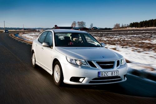 Kalla den ålderstigen om du vill, men i våra ögon är Saab 9-3 stilren och har en design som håller fortfarande. Med kraftfull miljömotor håller den ett tag till!