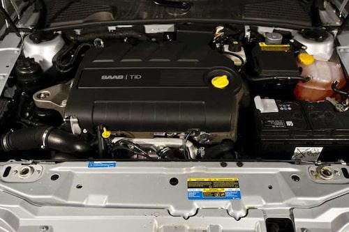Detta är inte första gången som Hirsch trimmat en diesel-Saab, men traditionen bjuder att de förädlar bensinmotorer.