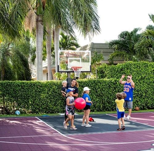 När hela familjen spelar basket ihop mår Lisa som bäst.