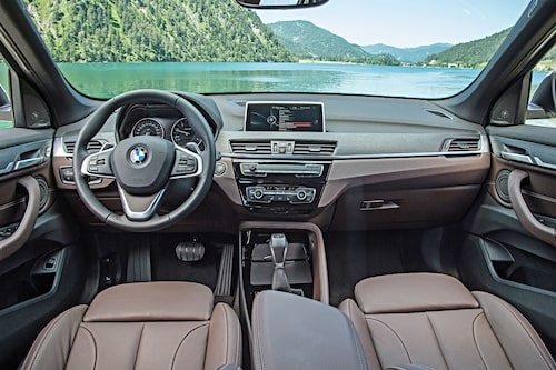På BMW-vis är det ordning och reda vad gäller interiören.