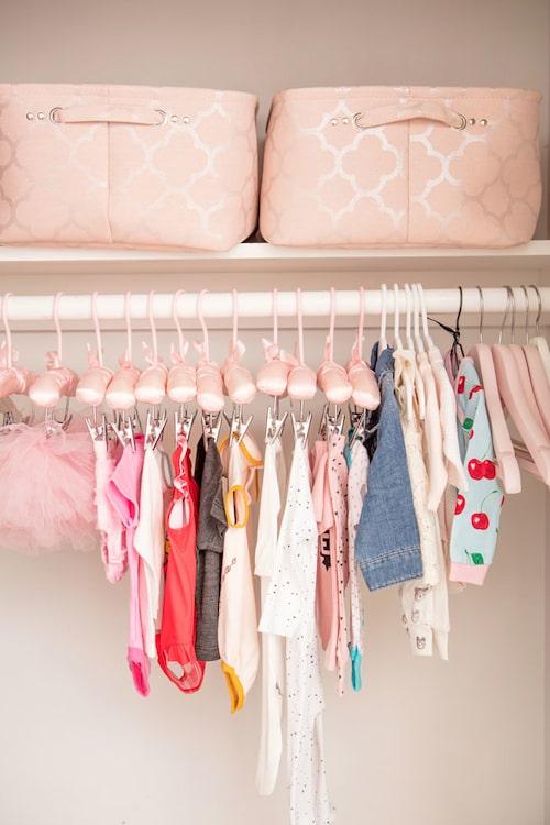 Lunas garderob har stått färdig sedan vecka 20.