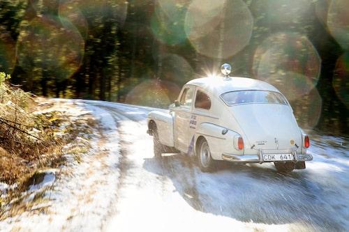 Till vardags huserar denna PV 544 Rally 1964 replika hos Volvomuseet på Hisingen, men museiföremål tål ju att njutas av även ute i verkligheten!