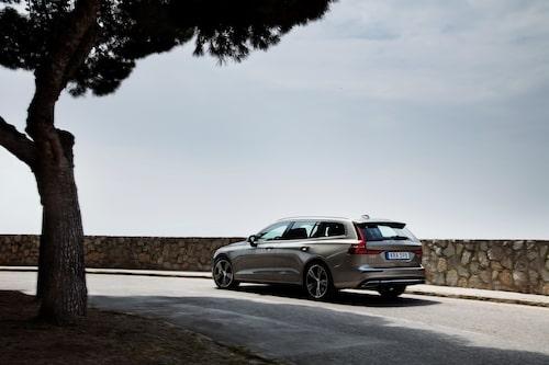 Volvo V60 T6 AWD Inscription Pebble Grey 2019