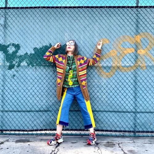 Cynthia Pastor är stylisten som klär sig i plagg som får oss alla att längta till sommaren.
