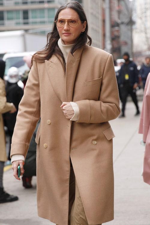 Jenna Lyons är modedesignern som fångar New York- bornas blickar när hon vandrar längst Manhattans gator i sina snygga outfits.