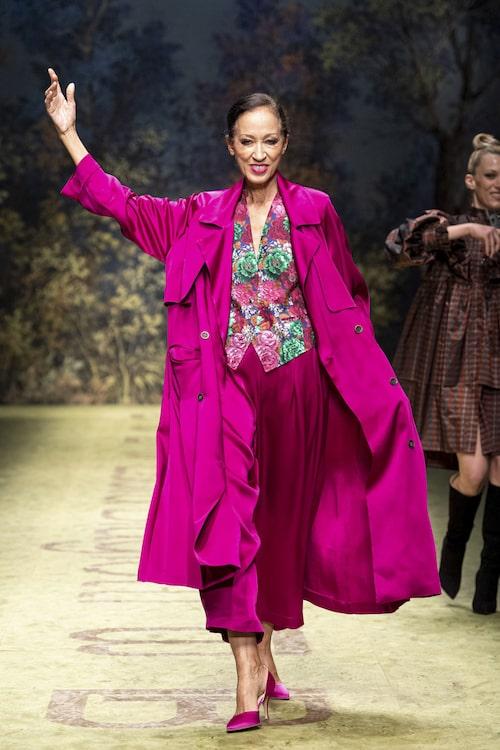 Modellen Pat Cleveland imponerar med sin stil, både på catwalken och privat.