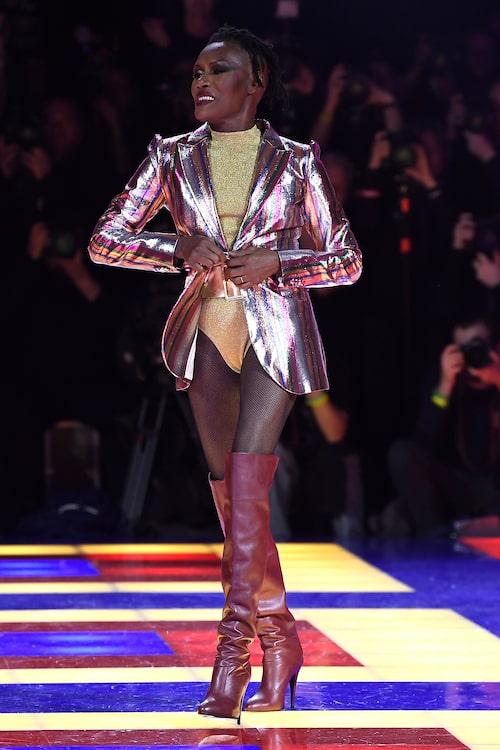 Grace Jones har gjort sig känd över hela världen för sina uppseendeväckande och påkostade plagg.
