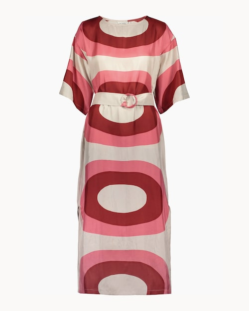 Mönstrad sidenklänning från Marimekko.