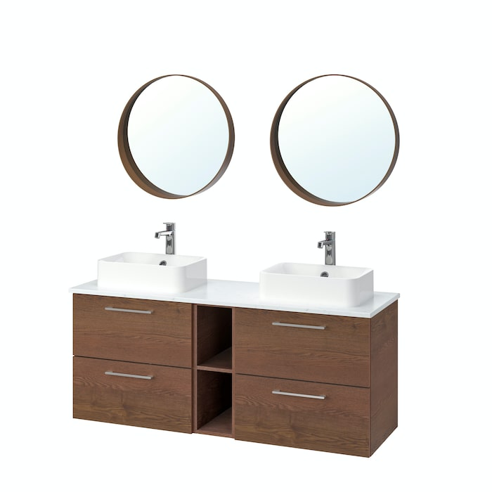 1. Kommod Godmorgon i brunlaserat askmönster, med marmormönstrad bänkskiva Tolken, tvättställ Hörvik, kran Brogrund och spegel Stockholm i valnötsfaner, allt Ikea.
