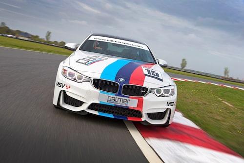 Tyngsta racerbilen i gänget, men M4 blir ändå en favorit för många på snabb bana.