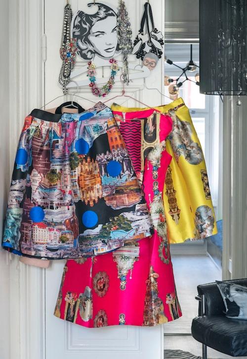 Smycken, väskor och kläder extra allt. Maria Kessling har ett stort klädintresse. Här tre plagg från favoriten Maxjenny.