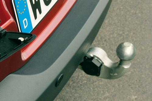 Smart infällbar dragkrok kan beställas. Bensinversionen får dra tunga 2 000 kg, dieseln hela 2 500.